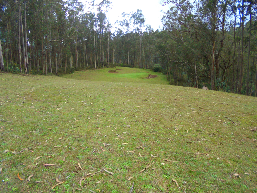 10th-green-from-the-fairway